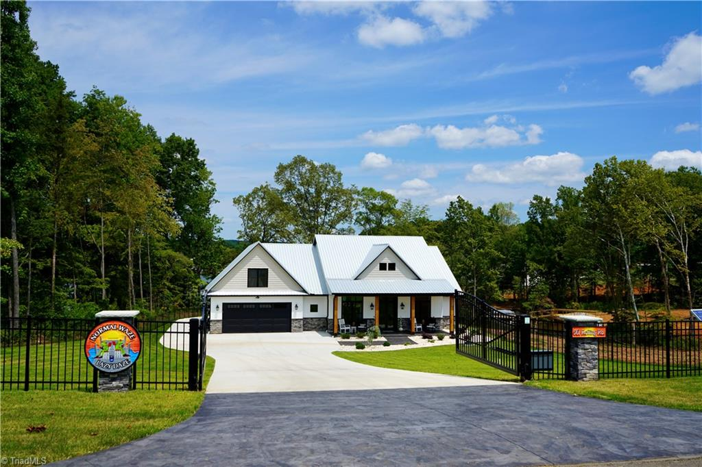 561 Rolling Road Property Photo