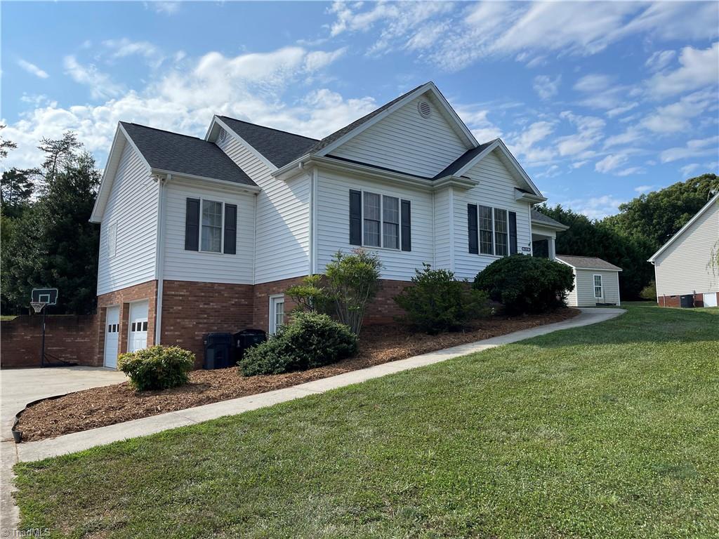 9512 Oakbrook Ridge Property Photo
