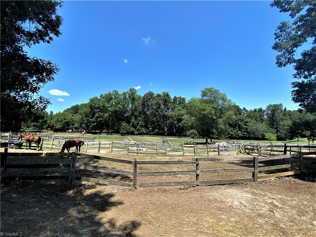 3809 Southeast School Road Property Photo 6