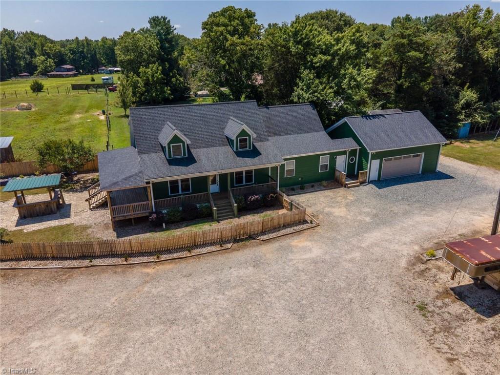 3809 Southeast School Road Property Photo 9
