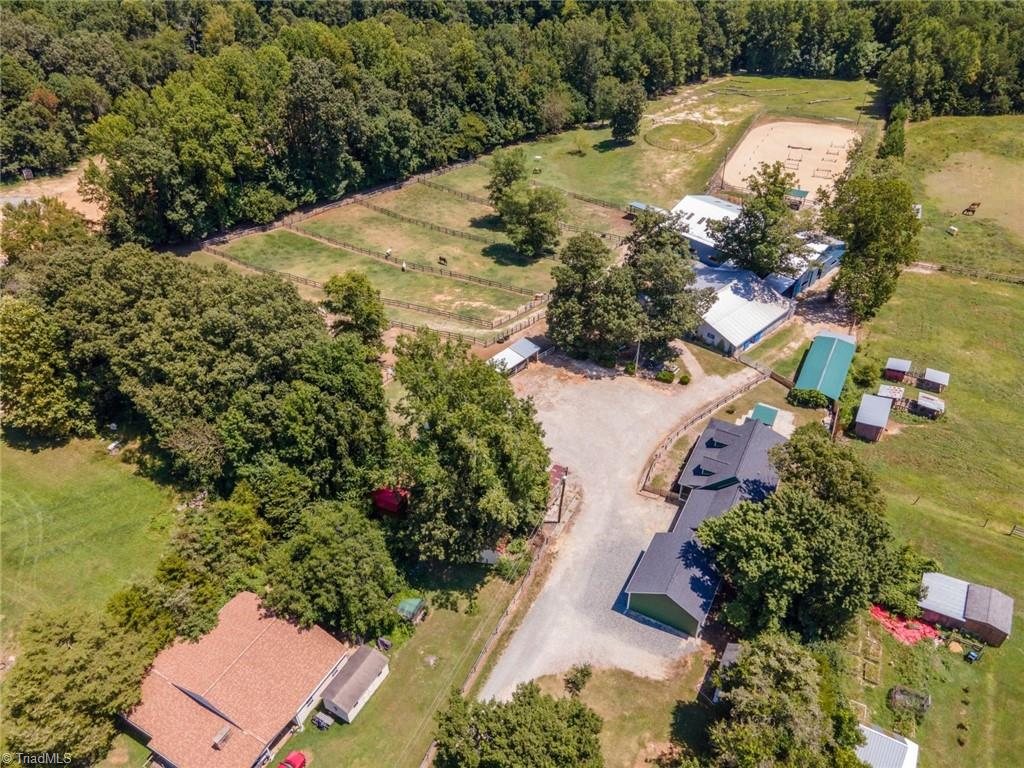 3809 Southeast School Road Property Photo 15