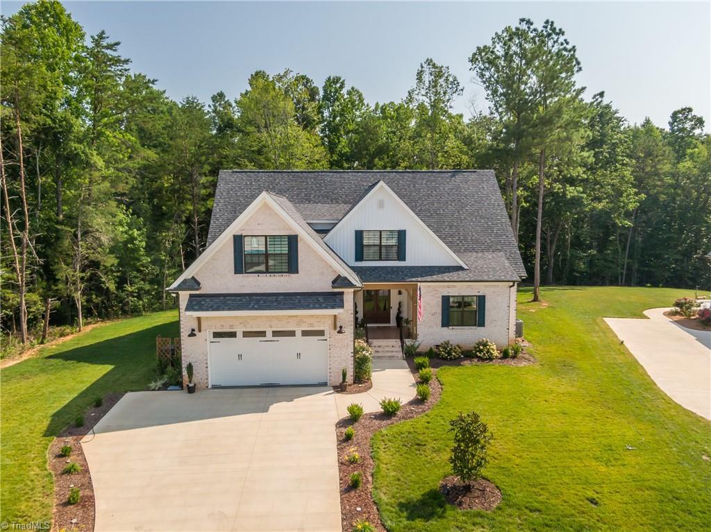 557 Wentworth Drive Property Photo