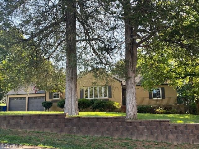 102 Woodland Boulevard Property Photo