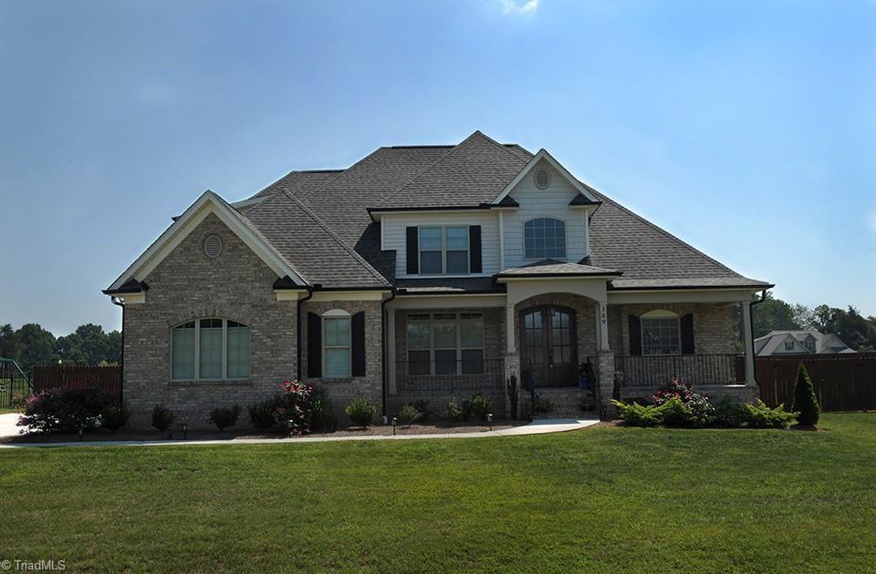 289 Oakleaf Drive Property Photo 1