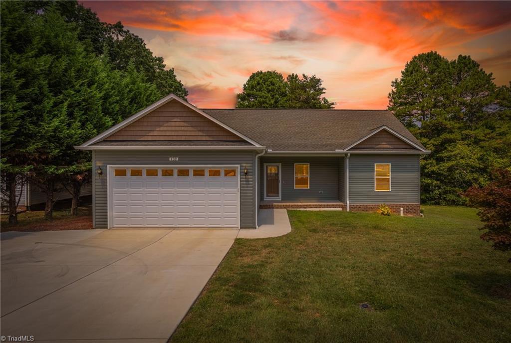 409 Lakeridge Drive Property Photo