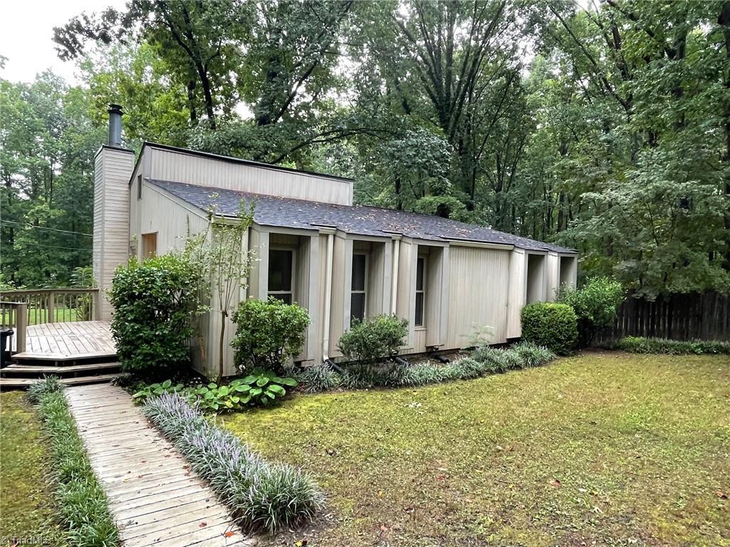 6593 Woodmere Drive Property Photo 1