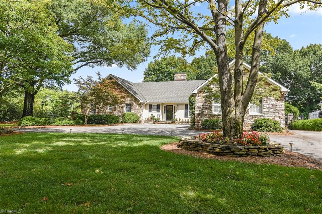 3021 Country Club Road Property Photo