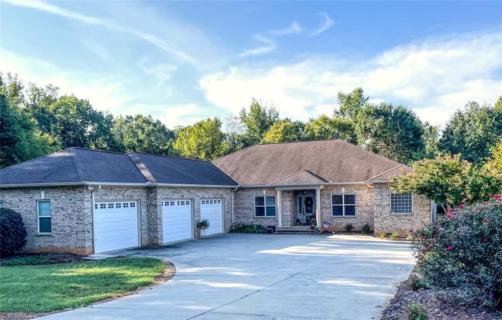 340 Fox Creek Lane Property Photo