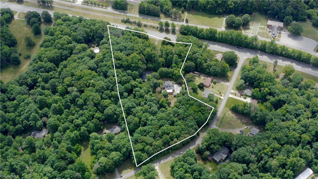 2750 Stratford Road Property Photo