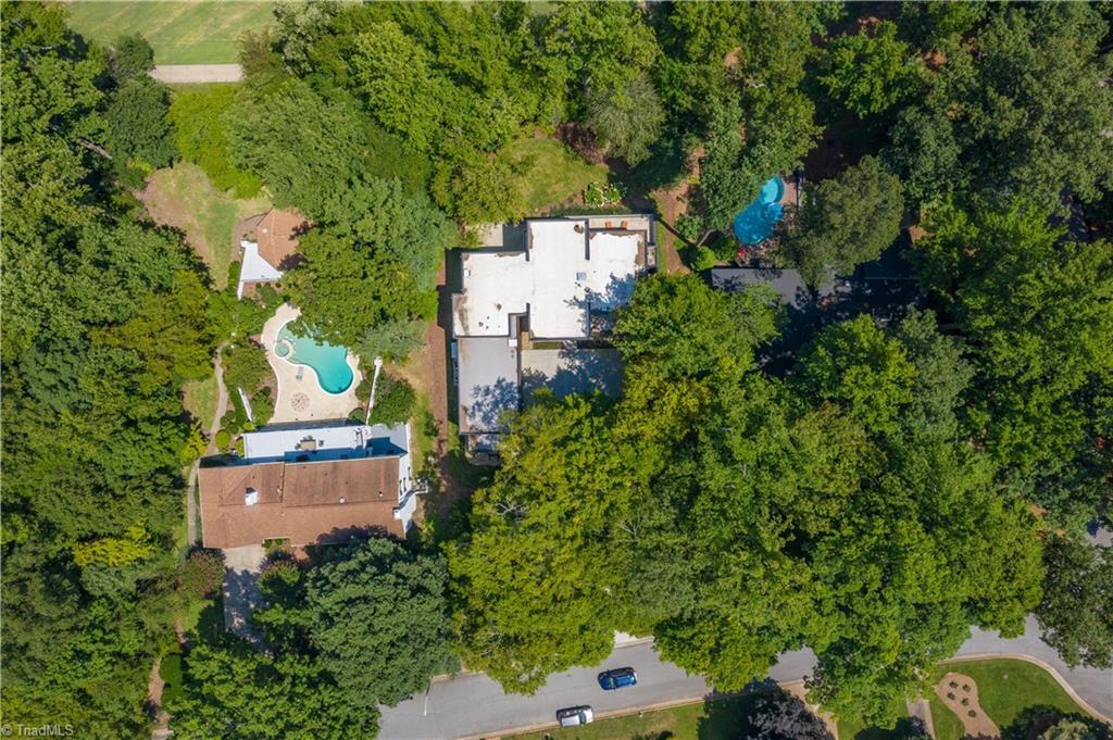 30 Kemp Road E Property Photo 48