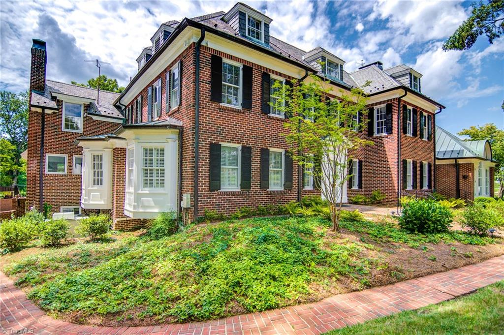 815 Woodland Drive Property Photo 4