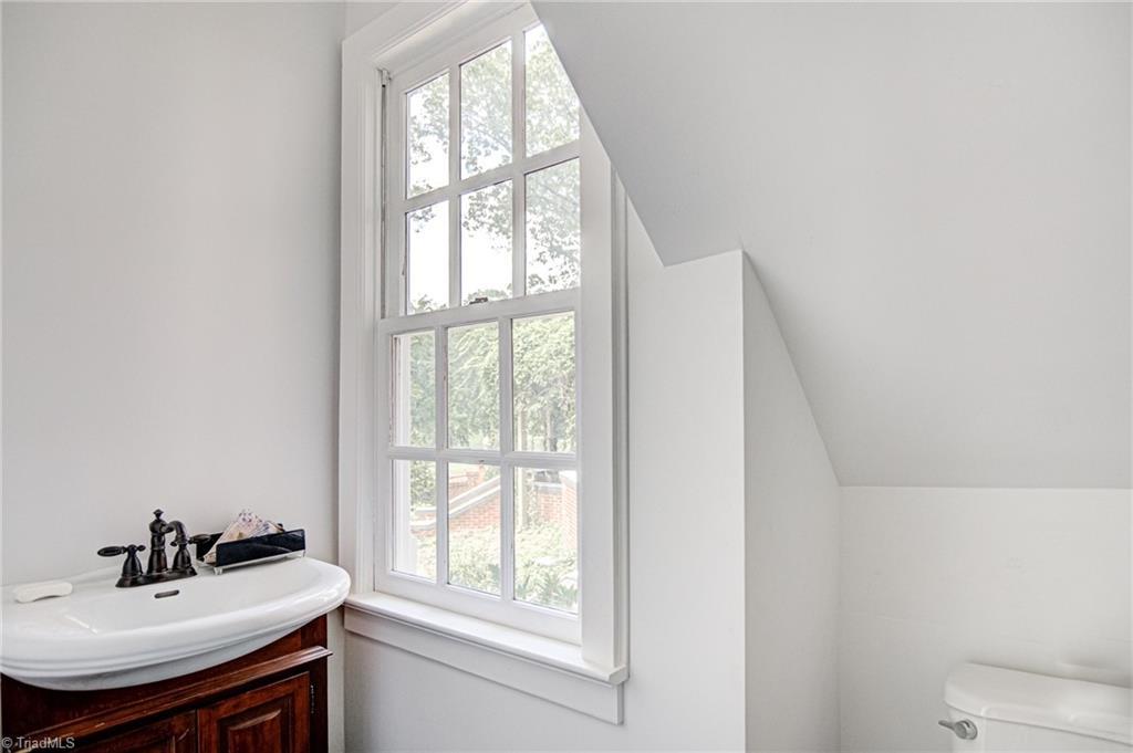 815 Woodland Drive Property Photo 19