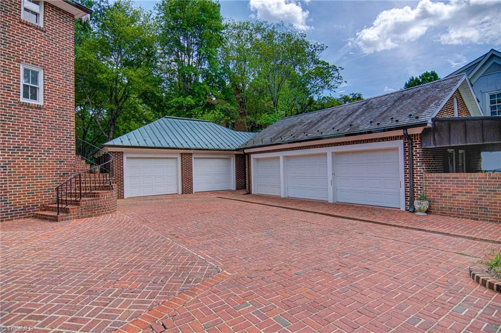815 Woodland Drive Property Photo 45