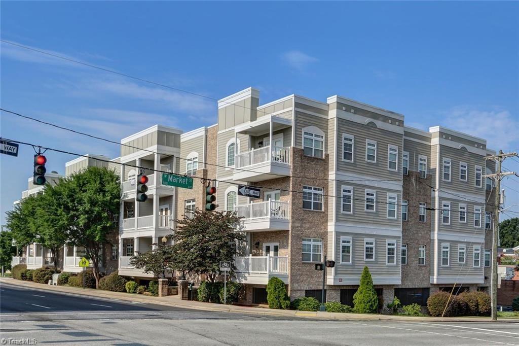 605 W Market Street # 309 Property Photo