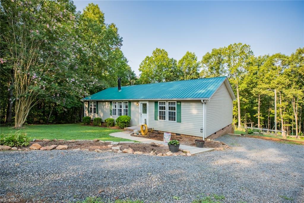 1125 Fox Hills Road Property Photo