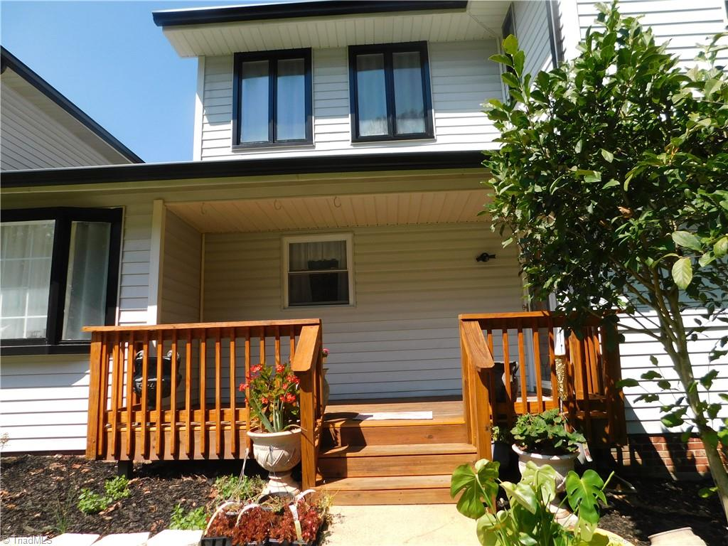 414 Lakewood Drive Property Photo 1