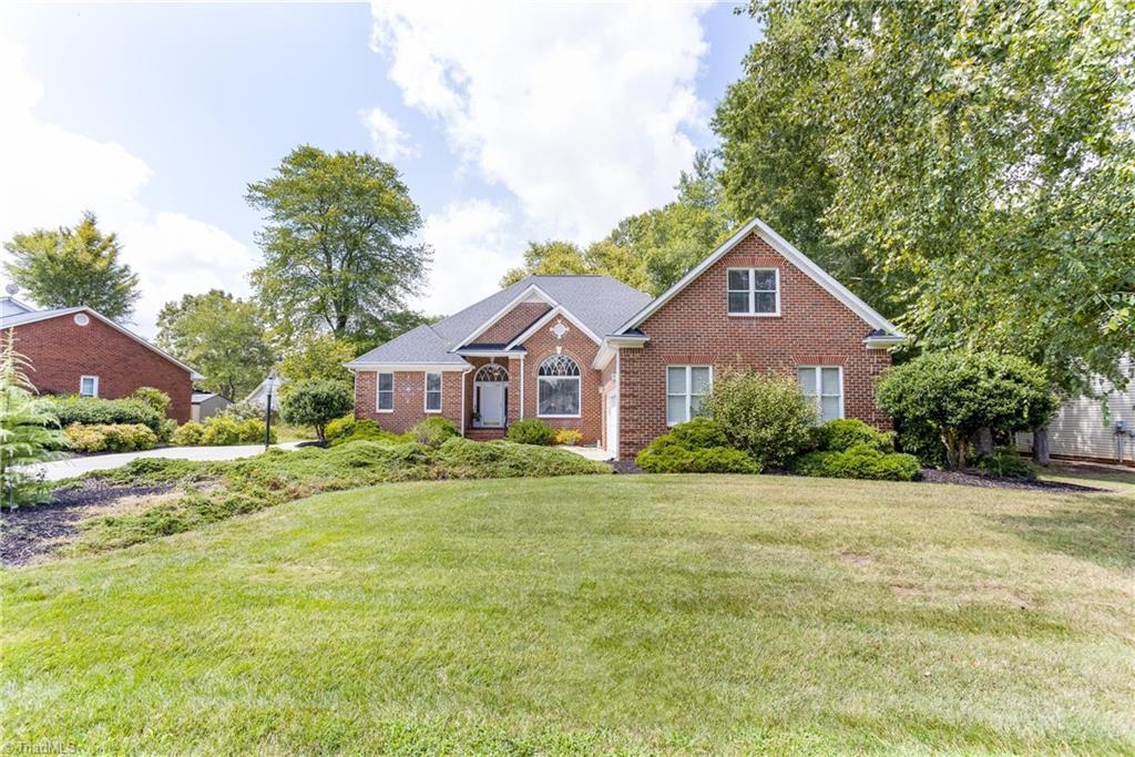 805 Lee Street Property Photo 1