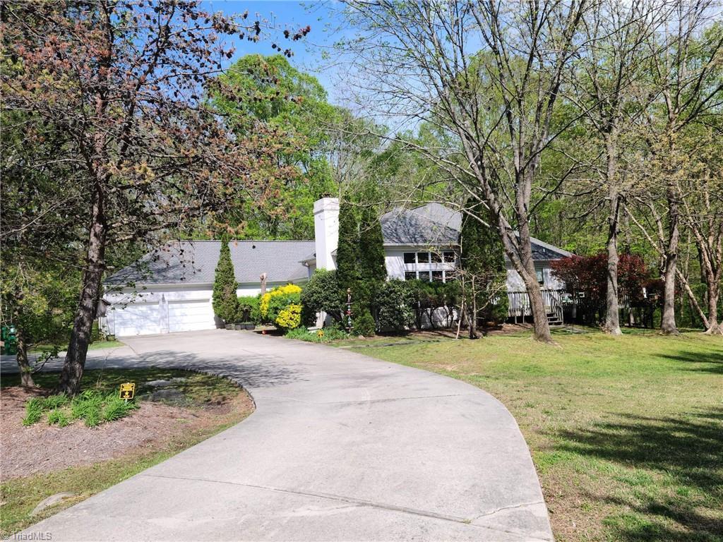 2517 Lakes Edge Point Property Photo 1