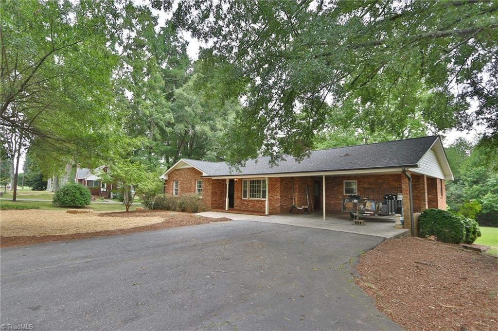 1440 Courtney Huntsville Road Property Photo