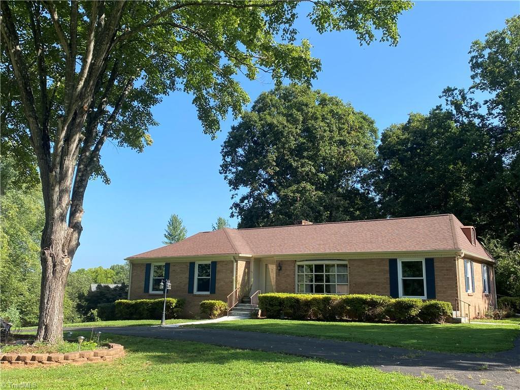 155 E Magnolia Road Property Photo