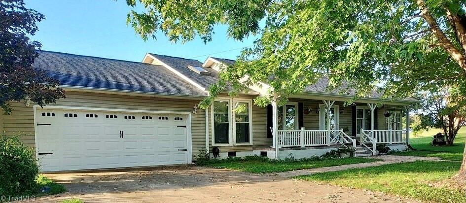971 Long Hill Road Property Photo