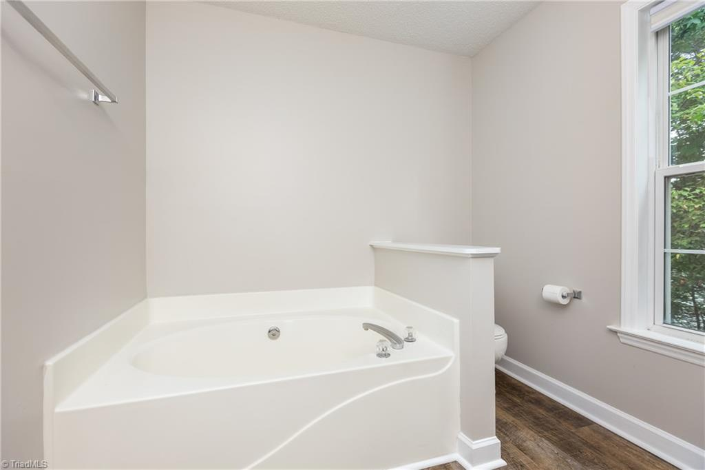 1734 Hawkcrest Lane Property Picture 21