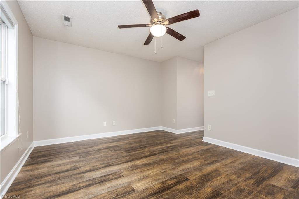 1734 Hawkcrest Lane Property Picture 24