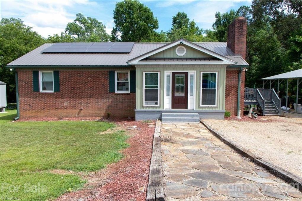 946 Oak Ridge Farm Highway Property Photo