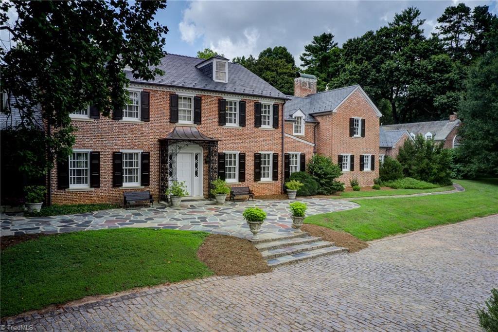 1040 Arbor Road Property Photo 2