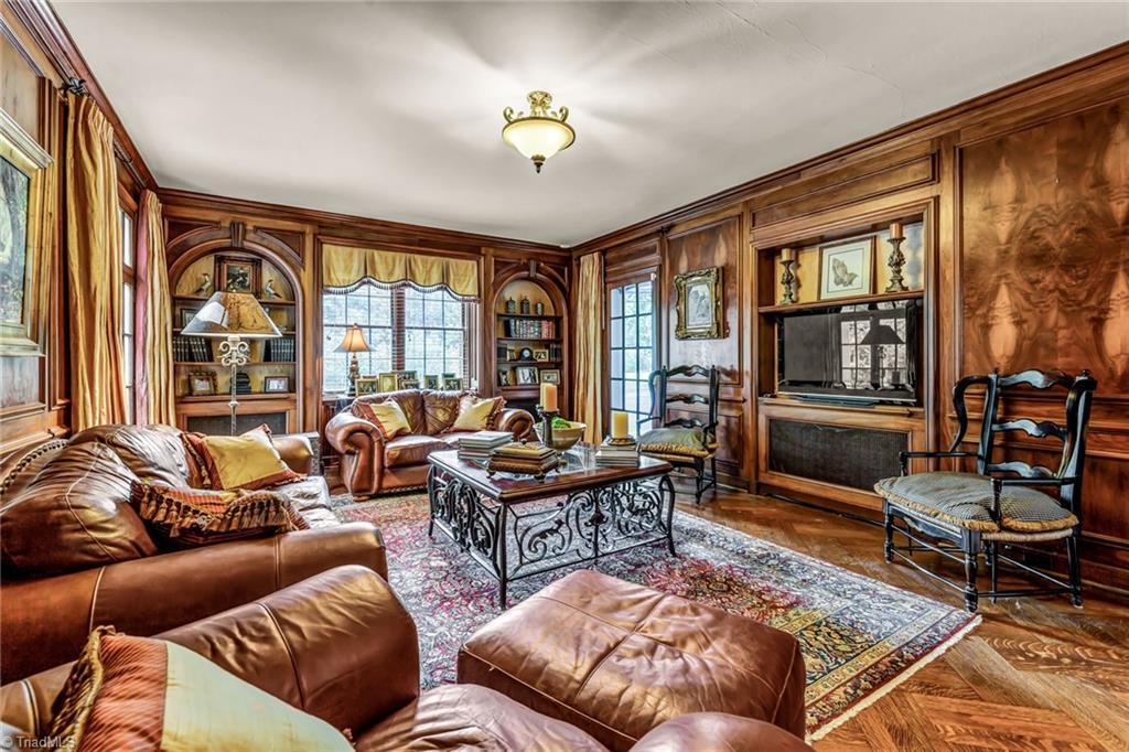 1040 Arbor Road Property Photo 10