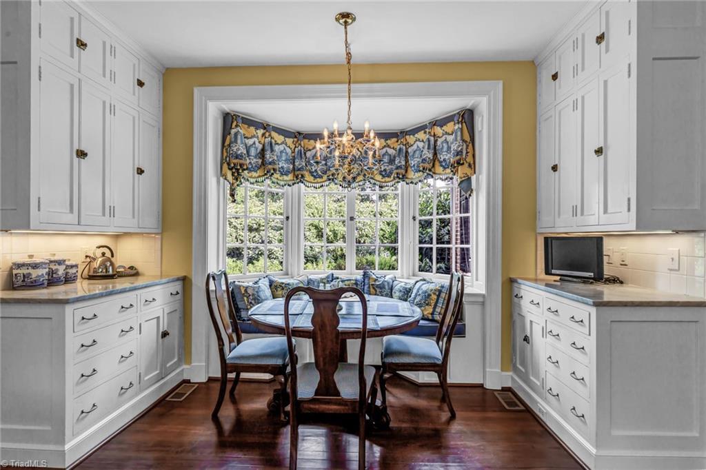 1040 Arbor Road Property Photo 20