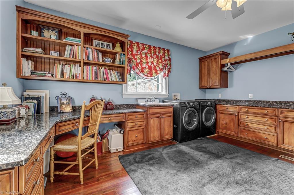 1040 Arbor Road Property Photo 21