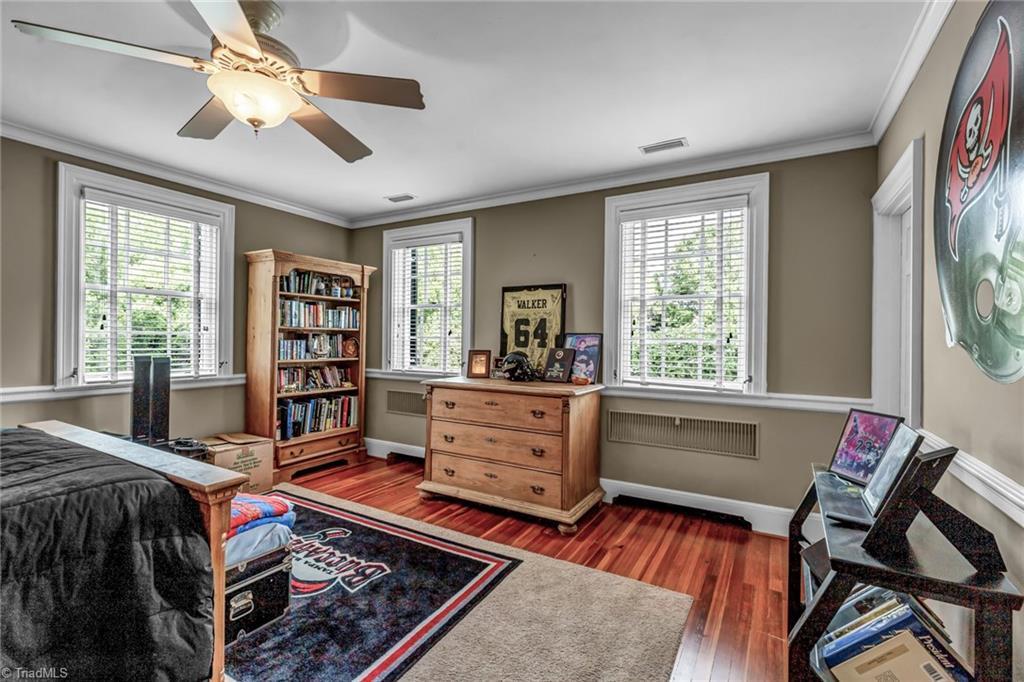 1040 Arbor Road Property Photo 32