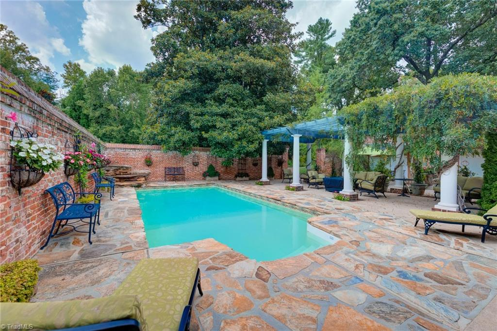 1040 Arbor Road Property Photo 38