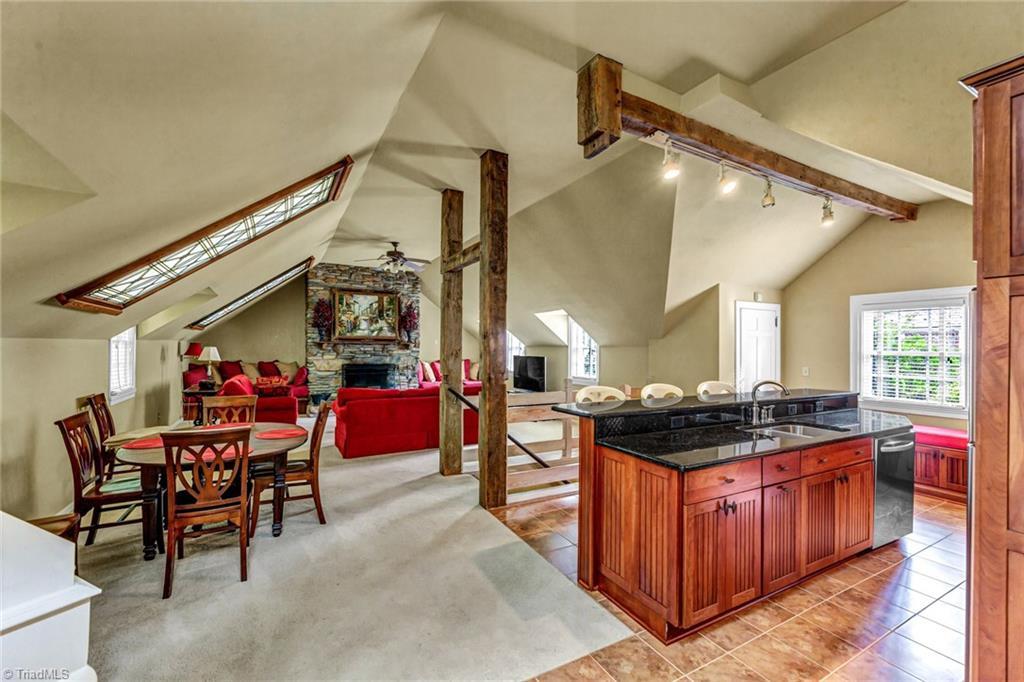 1040 Arbor Road Property Photo 41