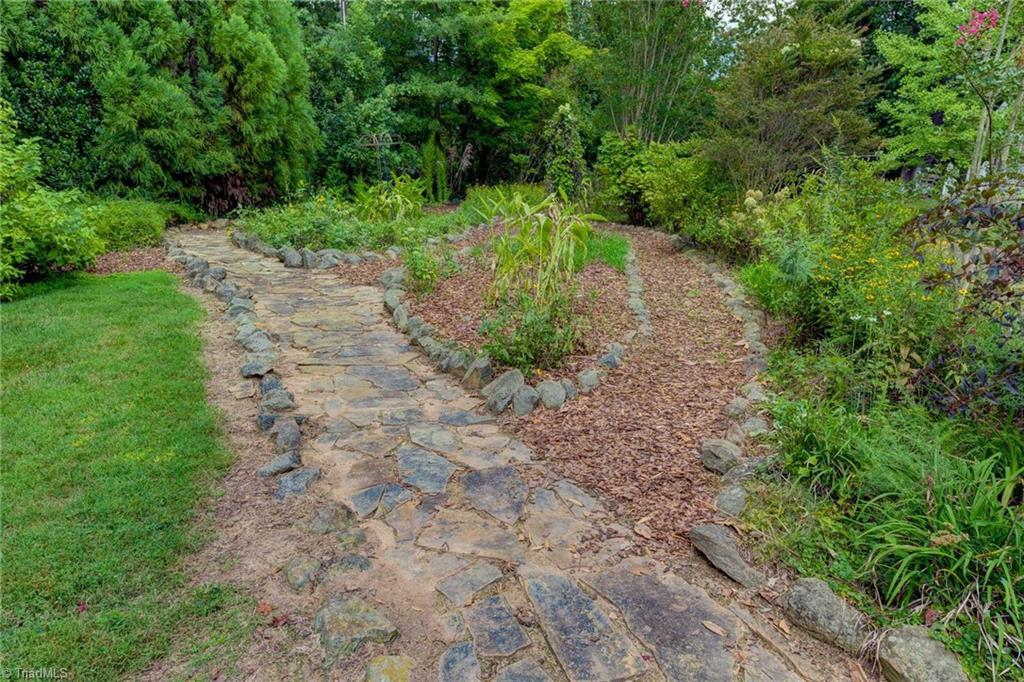 1040 Arbor Road Property Photo 48