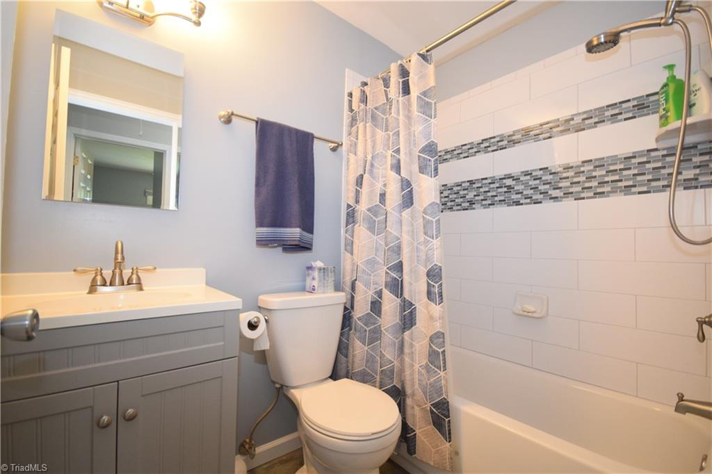 2484 Hoskins Road Property Picture 20