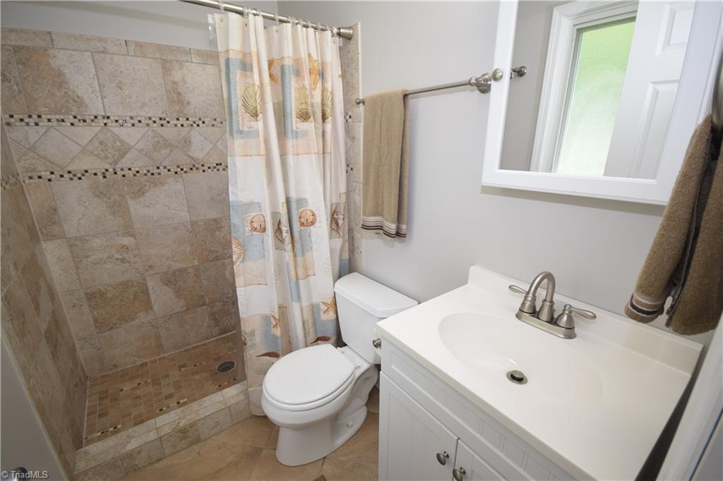 2484 Hoskins Road Property Picture 28