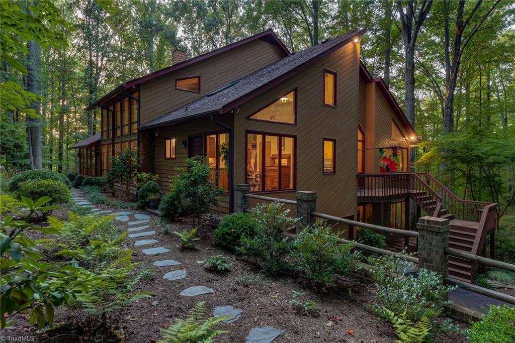 27409 Real Estate Listings Main Image