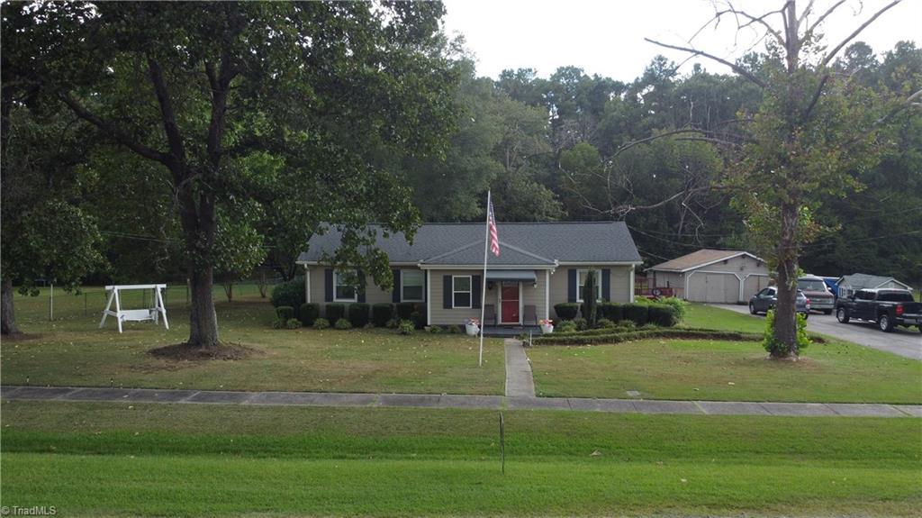 1104 W D Street Property Photo 1