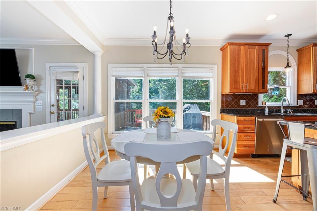 4870 Century Oaks Lane Property Picture 3