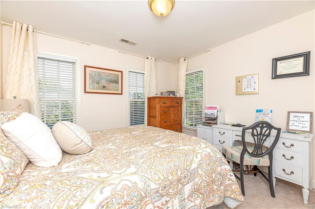 4870 Century Oaks Lane Property Picture 7