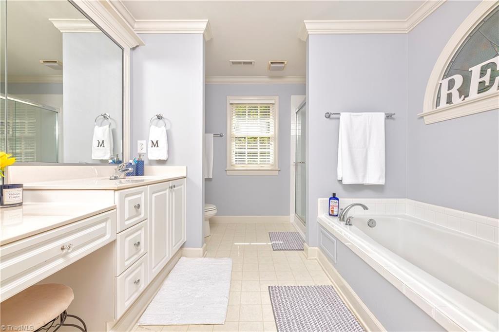 4870 Century Oaks Lane Property Picture 8