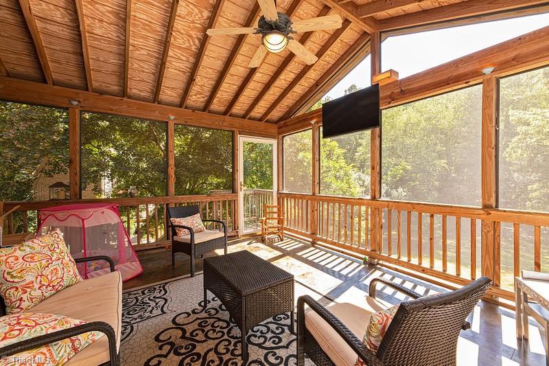 4870 Century Oaks Lane Property Picture 11
