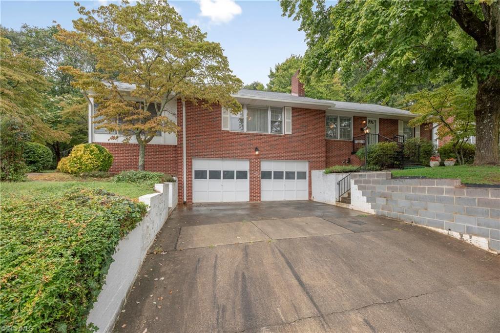 946 Lockland Avenue Property Photo
