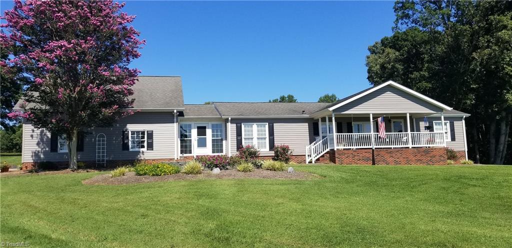 28669 Real Estate Listings Main Image