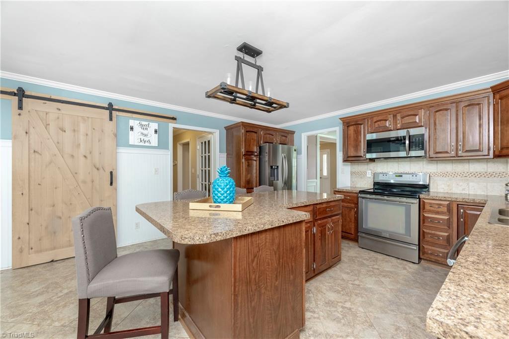 2600 Burke Farm Road Property Picture 9