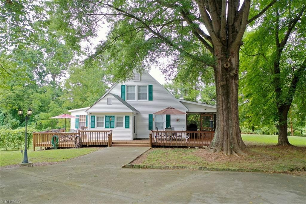 228 Horse Farm Road Property Photo 1