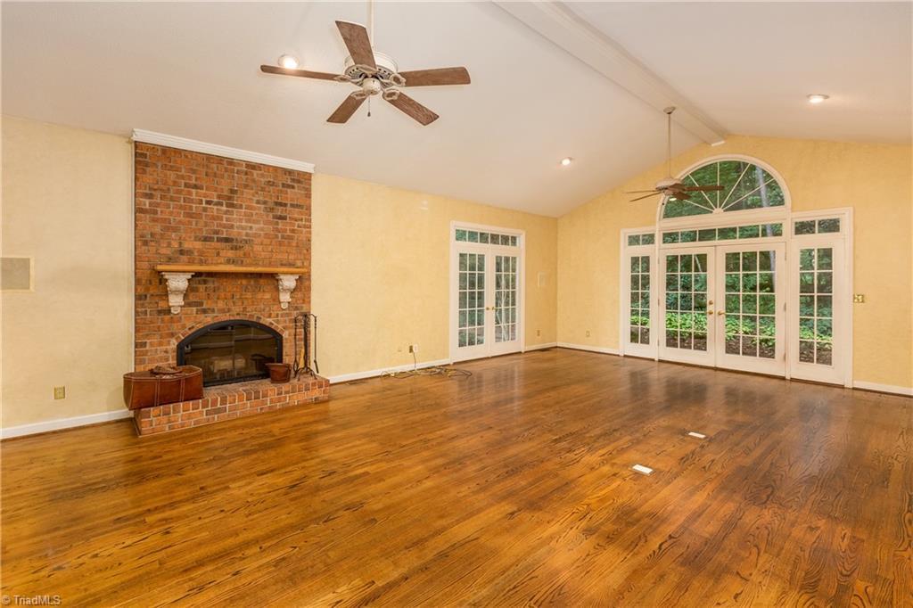 6121 Roxbury Court Property Picture 4