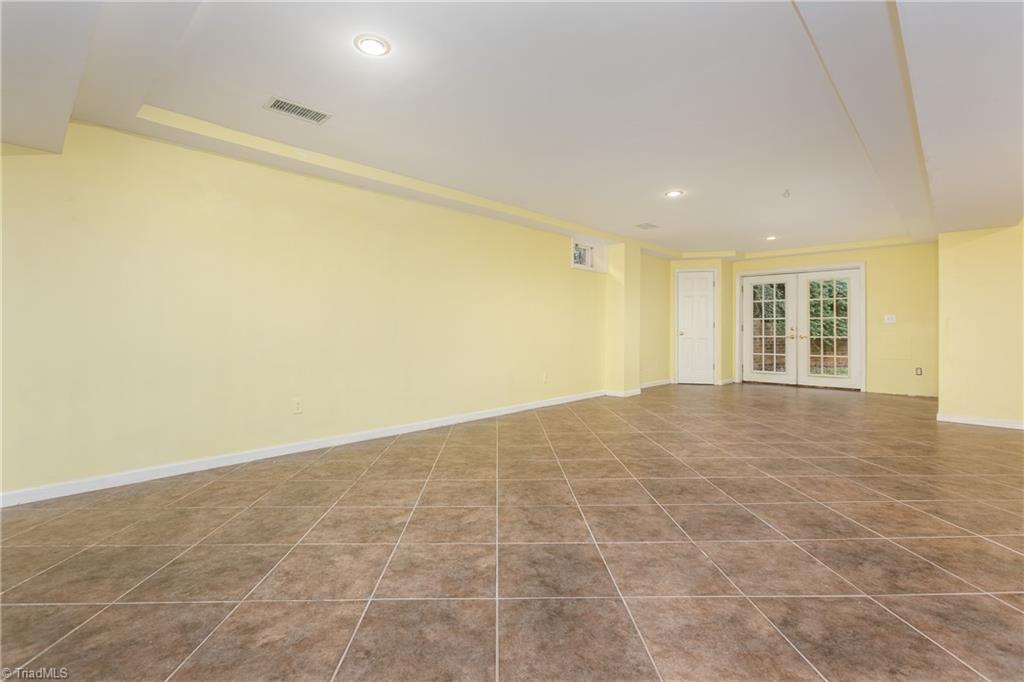 6121 Roxbury Court Property Picture 36